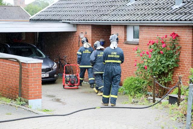 Lejre Brandvæsen rykkede torsdag ud til en brand i en tørretumbler. Foto: Michael Johannessen.