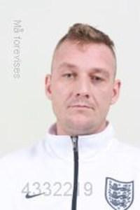 Københavns Vestegns Politi efterlyser den 34-årige Kristian Ørholm Jeppesen. Politiet vurderer, at han kan være utilregnelig og farlig.  Foto: Politiet.