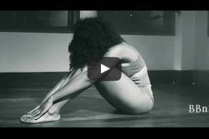 E.L puts body on display, in 'Abaa' music video