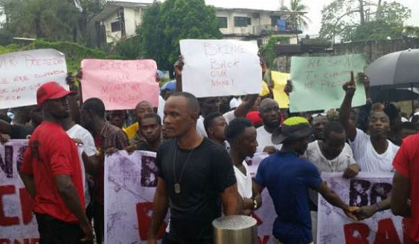 Liberians protest to demand return of missing millions