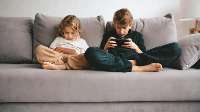 🇺🇲 Facebook annonce «mettre sur pause» la version d'Instagram développée pour les moins de 13 ans