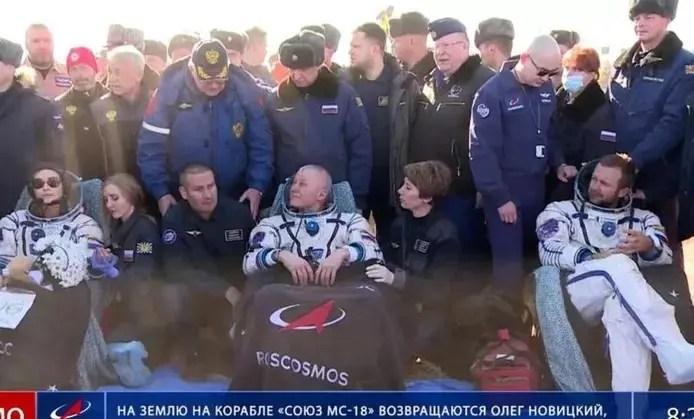 🇷🇺 L'équipe russe ayant tourné le premier film dans l'espace de retour sur Terre