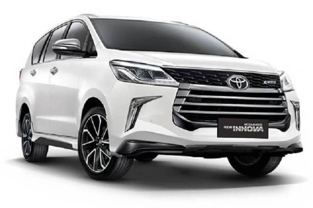 TOYOTO INOVA CRYSTA FACELIFT in top upcoming cars