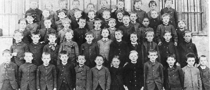 Albert Einstein on no. 10 school photo
