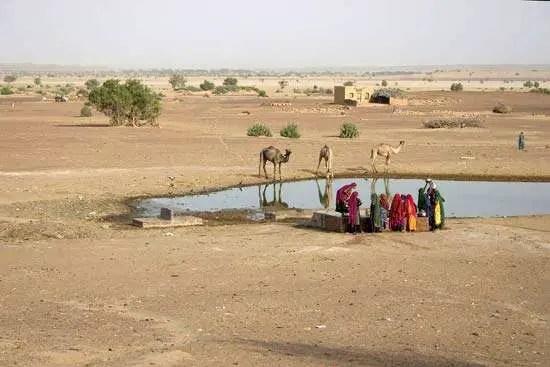 रेगिस्तान, समुद्र और पर्वत रक्षा करतें हैं भारत की