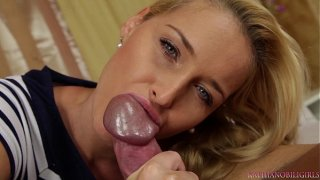 blow-job from the attractive blondie