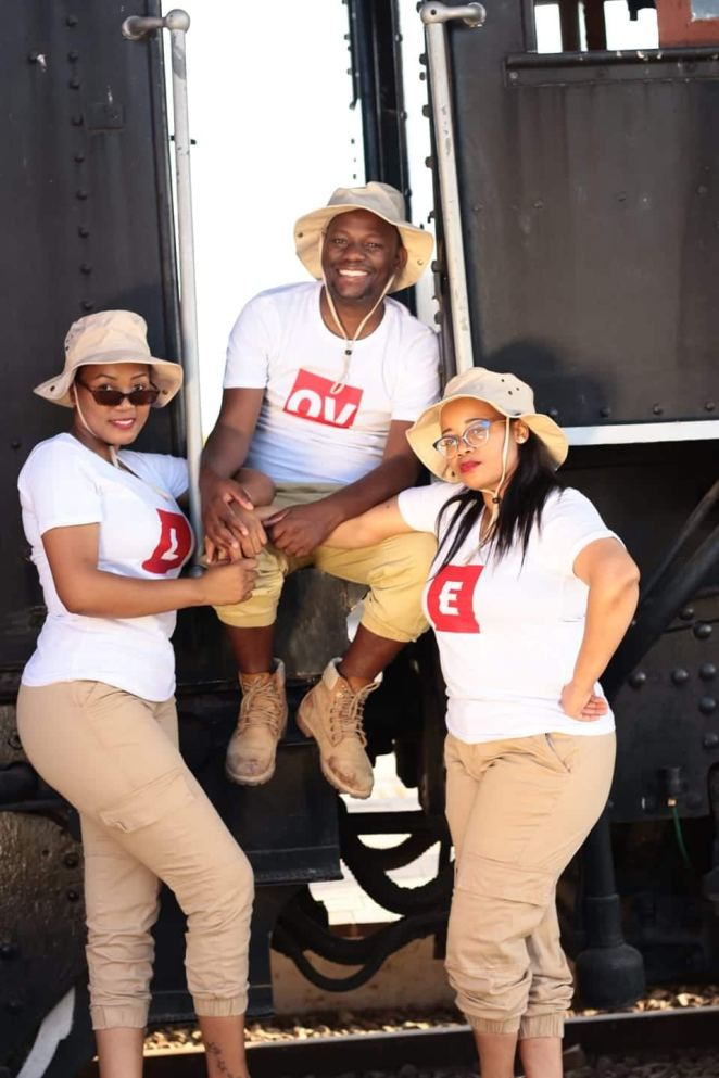 Unapologetically polygamous pastor proudly shows off his 2 wives, many children