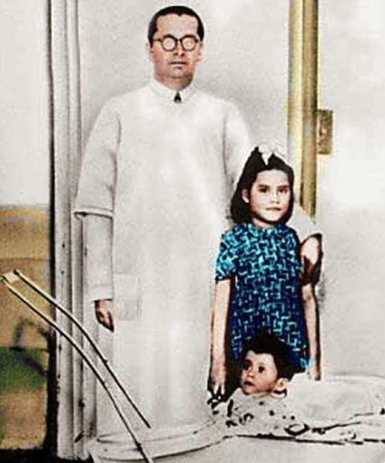 Colourful photo of Lina and her doctor, Gerardo Lozada
