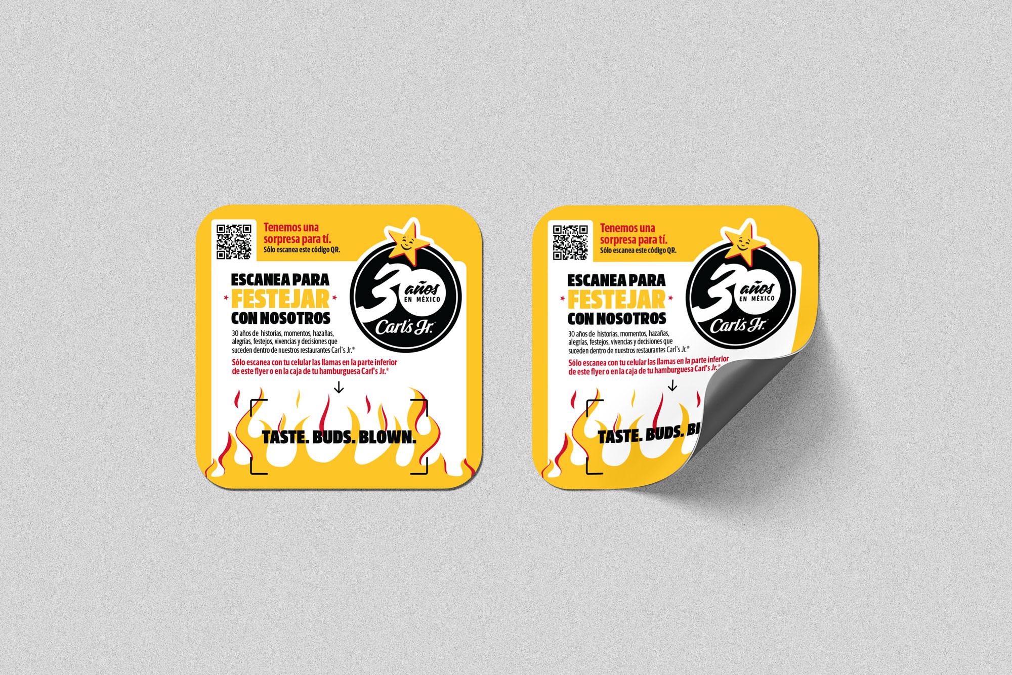 carlsjr_30-aniversario_sticker_mesa_cuadrados-25cm