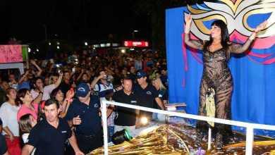 Moria Casan, Julio Rios y El Reja hicieron delirar al público en el centro de Melo