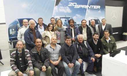 Clientes de Autolider viajaron a Argentina para conocer el proceso de fabricación de la nueva Sprinter