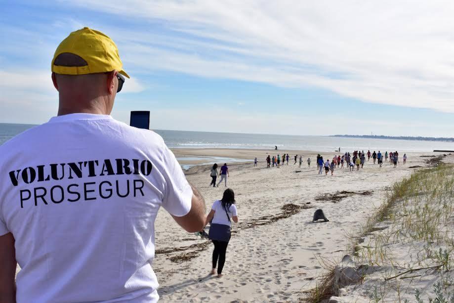 Fundación Prosegur organiza la I Feria Deportiva y de Ciencias para los alumnos Piecitos Colorados de Uruguay