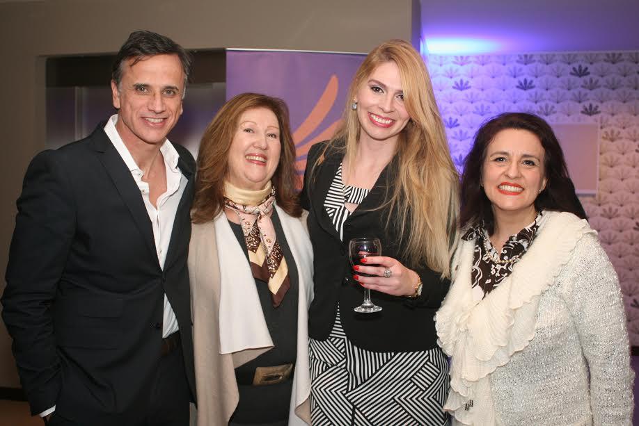 Frontier Hotel Rivera se embelleció con las obras del reconocido artista Osmar Santos