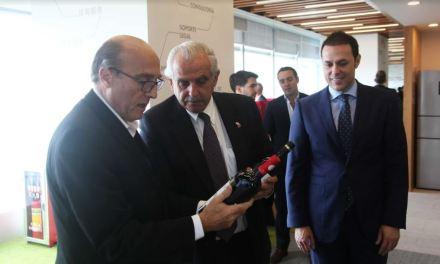 El intendente Daniel Martínez visitó las oficinas de Zonamerica en China