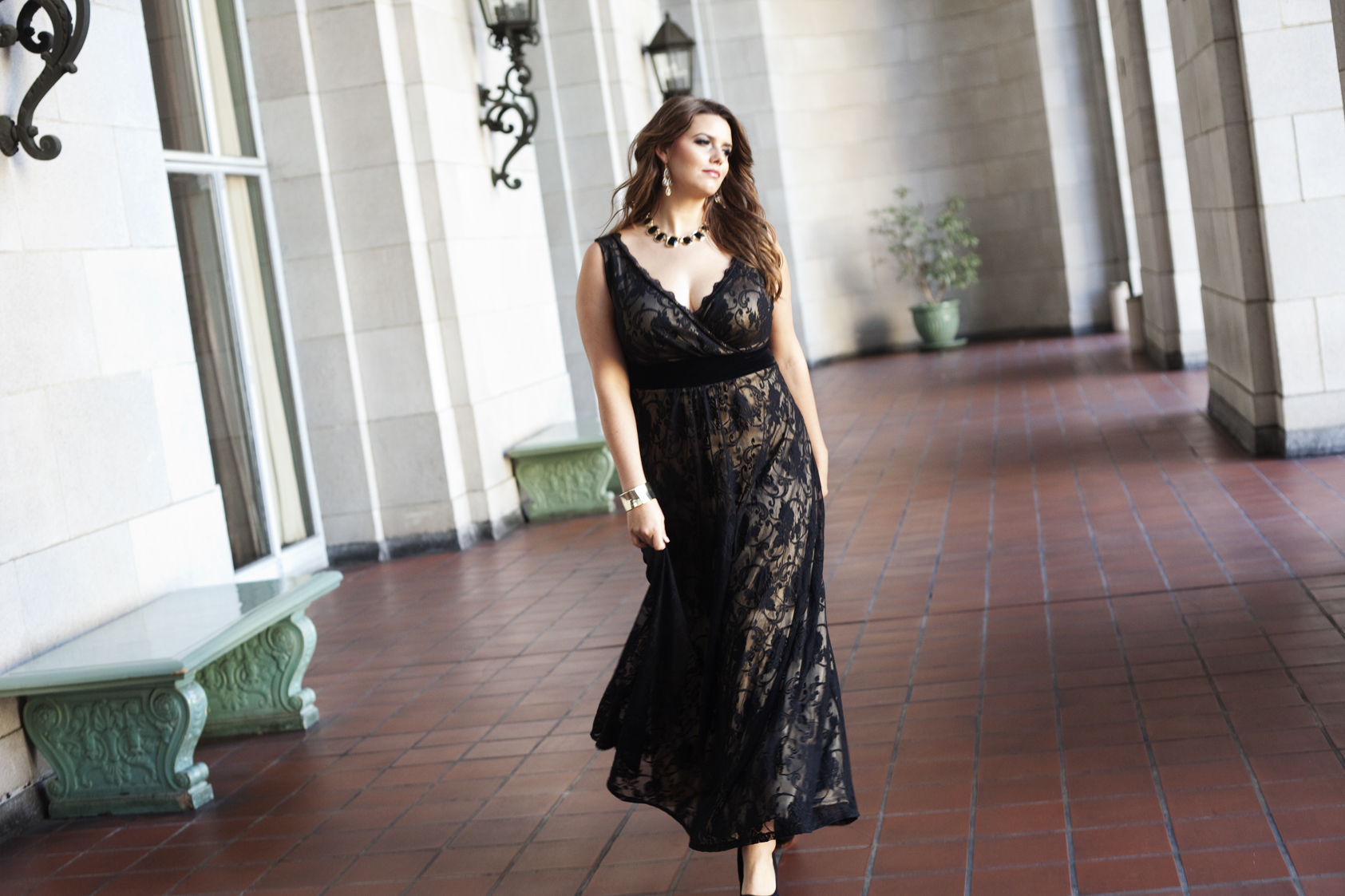 """6d2b06ffb702 """"I absolutely love creating holiday collections because of the opportunity  to bring opulence and glamour to the lives of my curvy customers."""