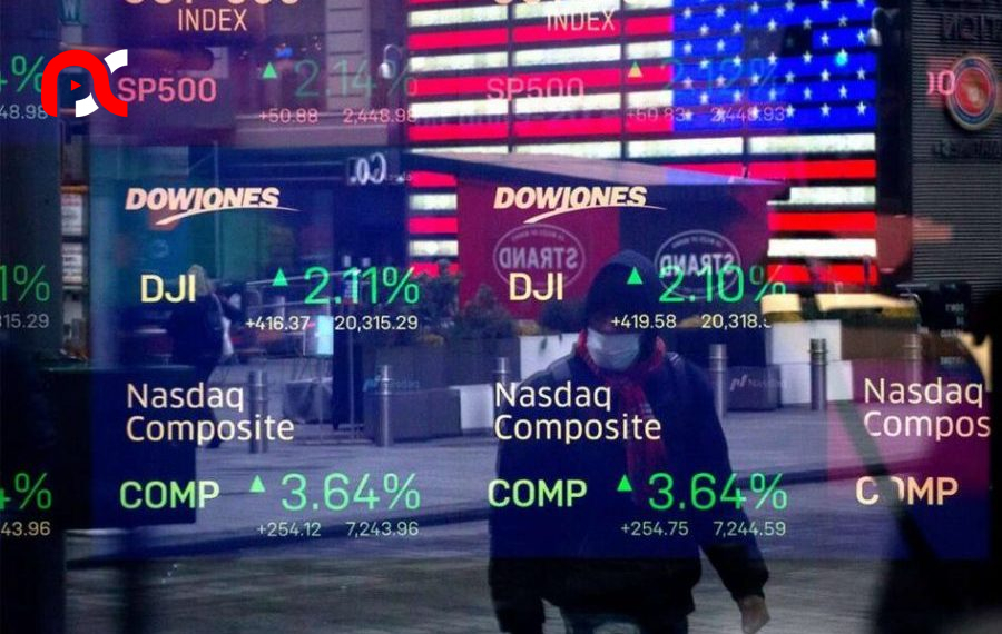 Nasdaq escapes sell off as Dow and S&P plunges