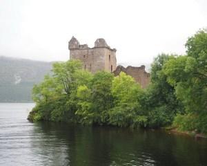 Der Turm von Urquart Castle, hier soll sich Nessie am häufigsten rumtreiben