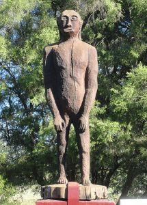 Yowie-Statue