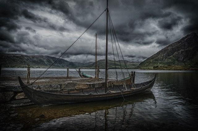 Wikingerschiff, möge der Krieger Frieden finden