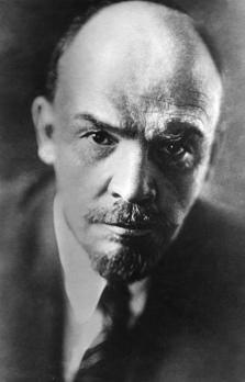 Wladimir Iljitsch Lenin - 1920 - Bundesarchiv_Bild_183-71043-0003 - gemeinfrei