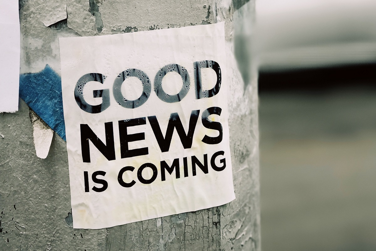 Good News Is Coming. (Foto: Jon Tyson, Unsplash.com)