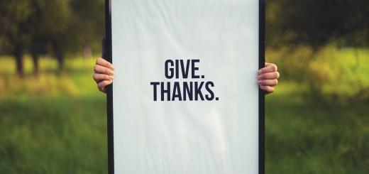 Geben. Danken. (Foto: Simon Maage, Unsplash.com)