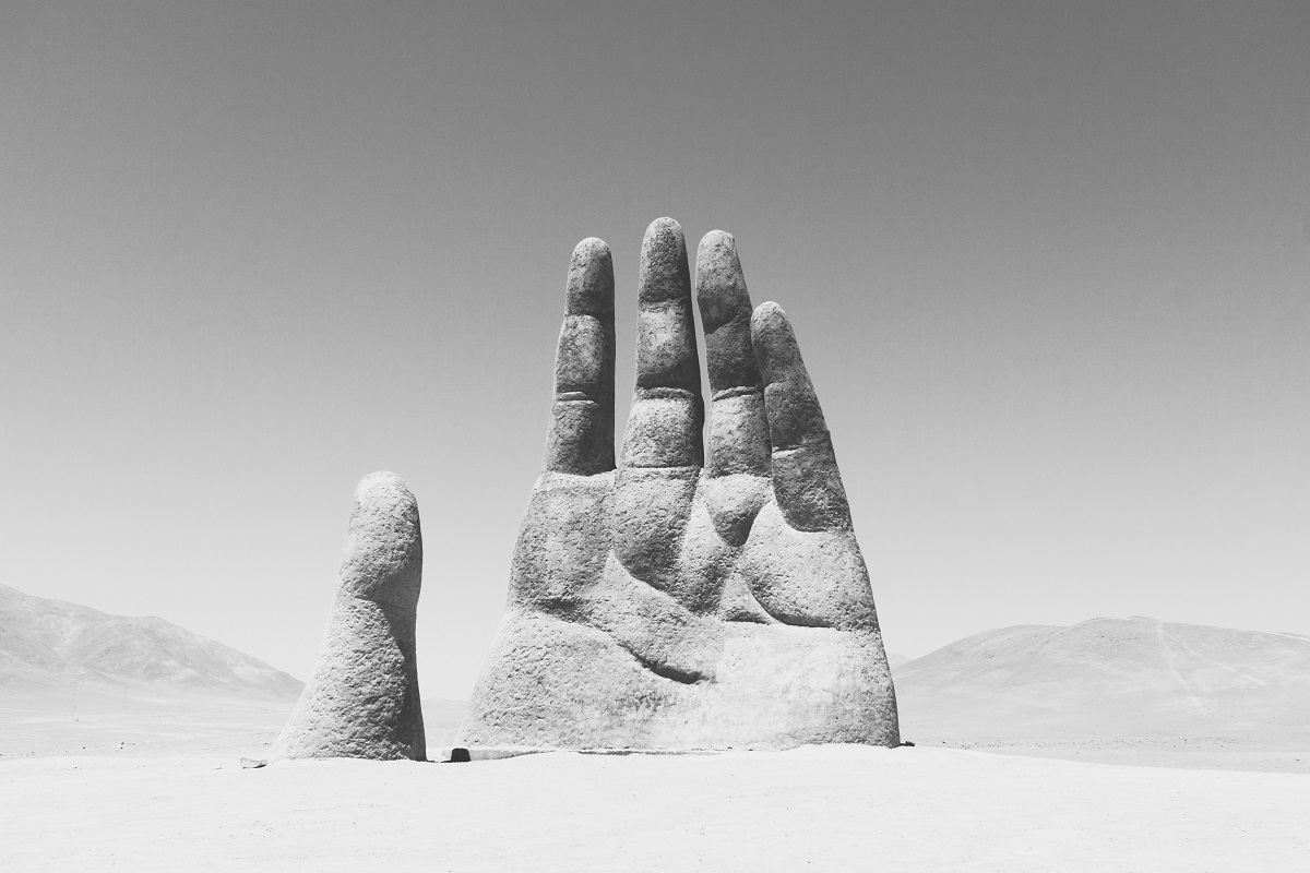 Hand of the Desert in Chile. (Foto: Roi Dimor, Unsplash.com)