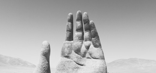 Hand of the Desert in Chile. (Foto: Roi Dimor, Unsplash.com)