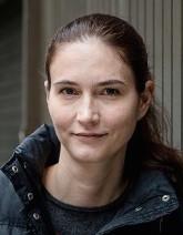 Krystyna Schreiber ist eine deutsche Journalistin und Autorin. Sie lebt in Katalonien.