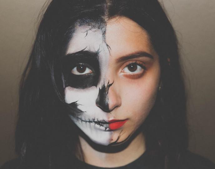 Das doppelte Gesicht. Gut und Böse. (Foto: Edgar Perez, Unsplash.com)