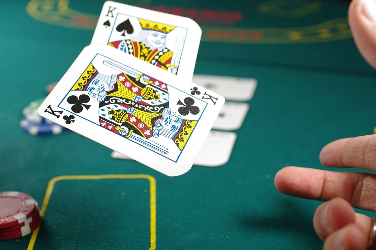Poker with Kings. (Foto: Michal Parzuchowski, Unsplash.com)