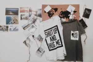Shut up and hug me. (Foto: June Liu, Unsplash.com)