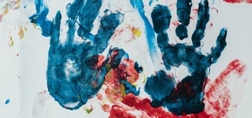 Machiavelli hat mit seinen Werken wichtige Abdrücke in der politischen Betrachtung hinterlassen. Handabdrücke als Kunst. (Foto: Bernard Hermant, Unsplash.com)