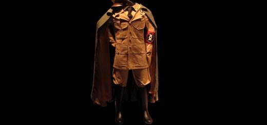 Die Uniform von Charles Chaplin als Hynkel in Der große Diktator. (Foto: Rama, own work, CC BY-SA 3.0 FR; cropped)