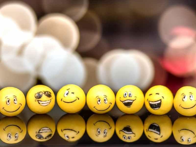 Emojis und Fragmente: Ein Plädoyer für die humane Erzählung