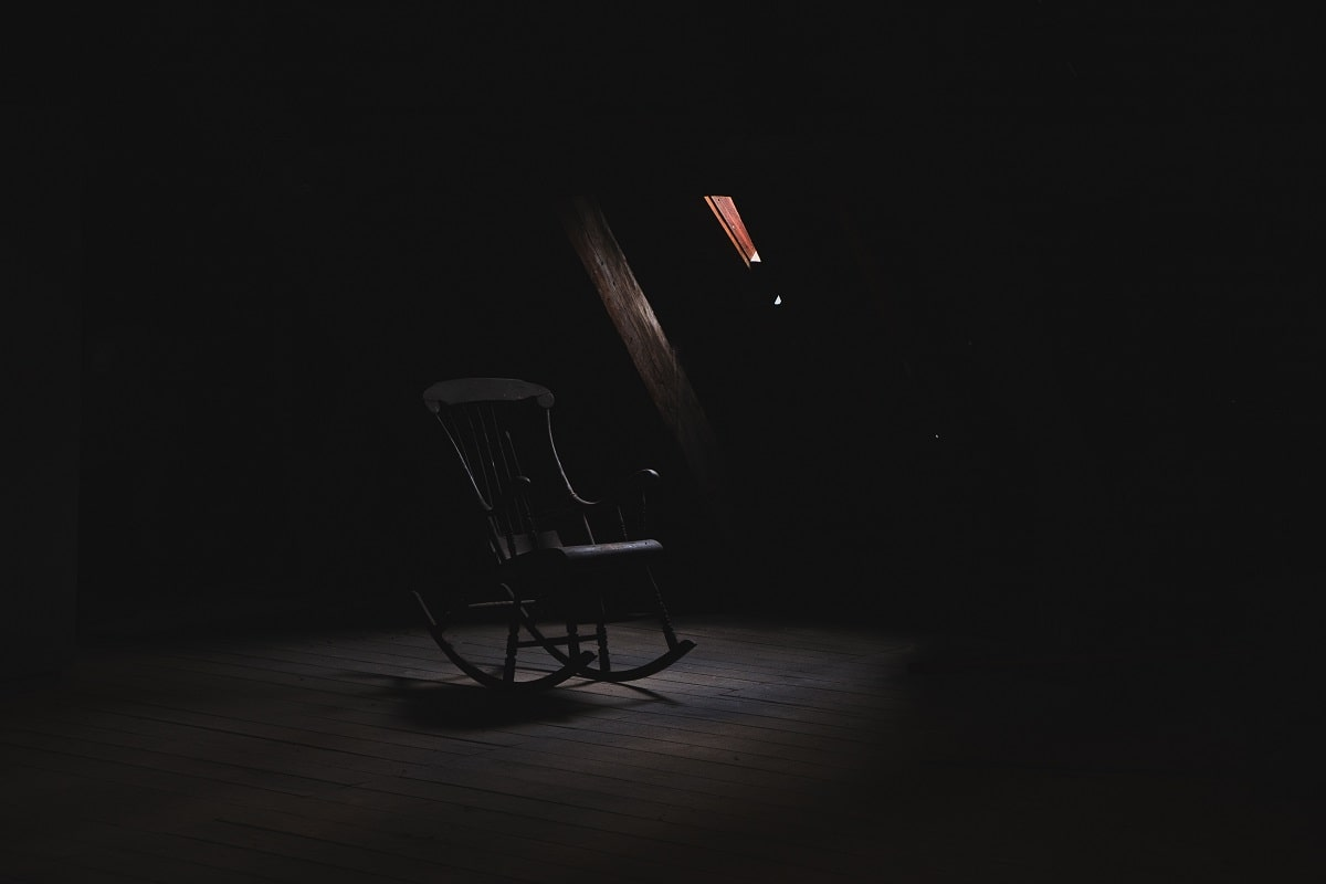 Black Rocking Chair. Ein Symbol für Tyrannei. (Foto: Anthony Delanoix, Unsplash.com)