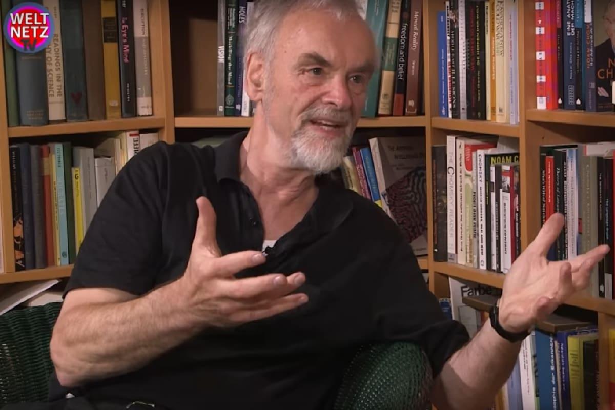 Rainer Mausfeld im Gespräch mit Pascal Lugi von weltnetz.tv über Angst und Macht (Foto: Screenshot Weltnetz.tv)
