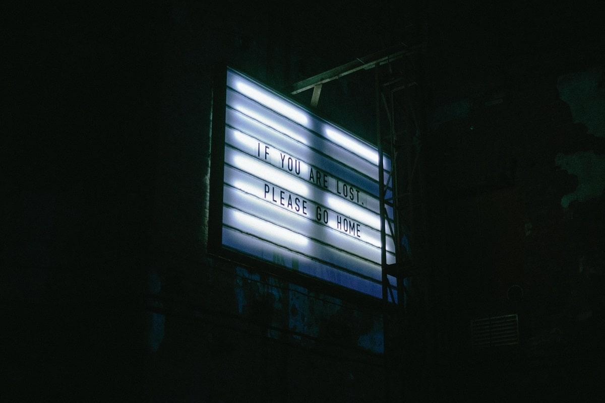 """Pierleone Porcu verfasste einen kritische """"Reise ins Auge des Sturms"""" 1987. (Symbolfoto: Alexander Popov, Unsplash.com)"""
