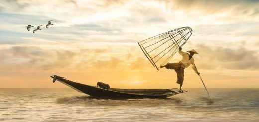 Ein Krieg gegen China ist kaum vorstellbar. Ein chinesischer Fischer in seinem Boot. (Illustration: Myriam Zillesa, Pixabay.com)