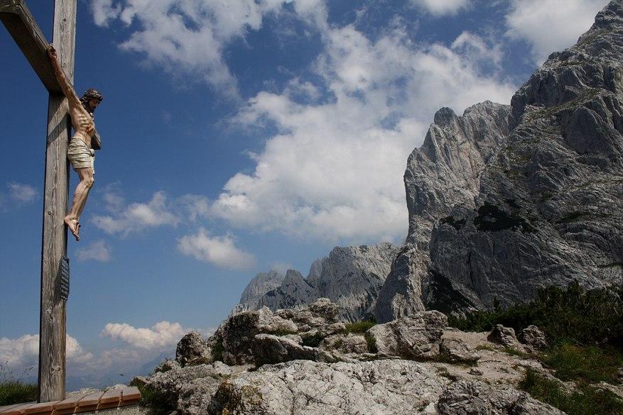 Bergkreuz, Wilder Kaiser, Tirol, Österreich. (Foto: Jens Burkhardt-Plückhahn - Eigenes Werk - CC BY-SA 3.0 at)