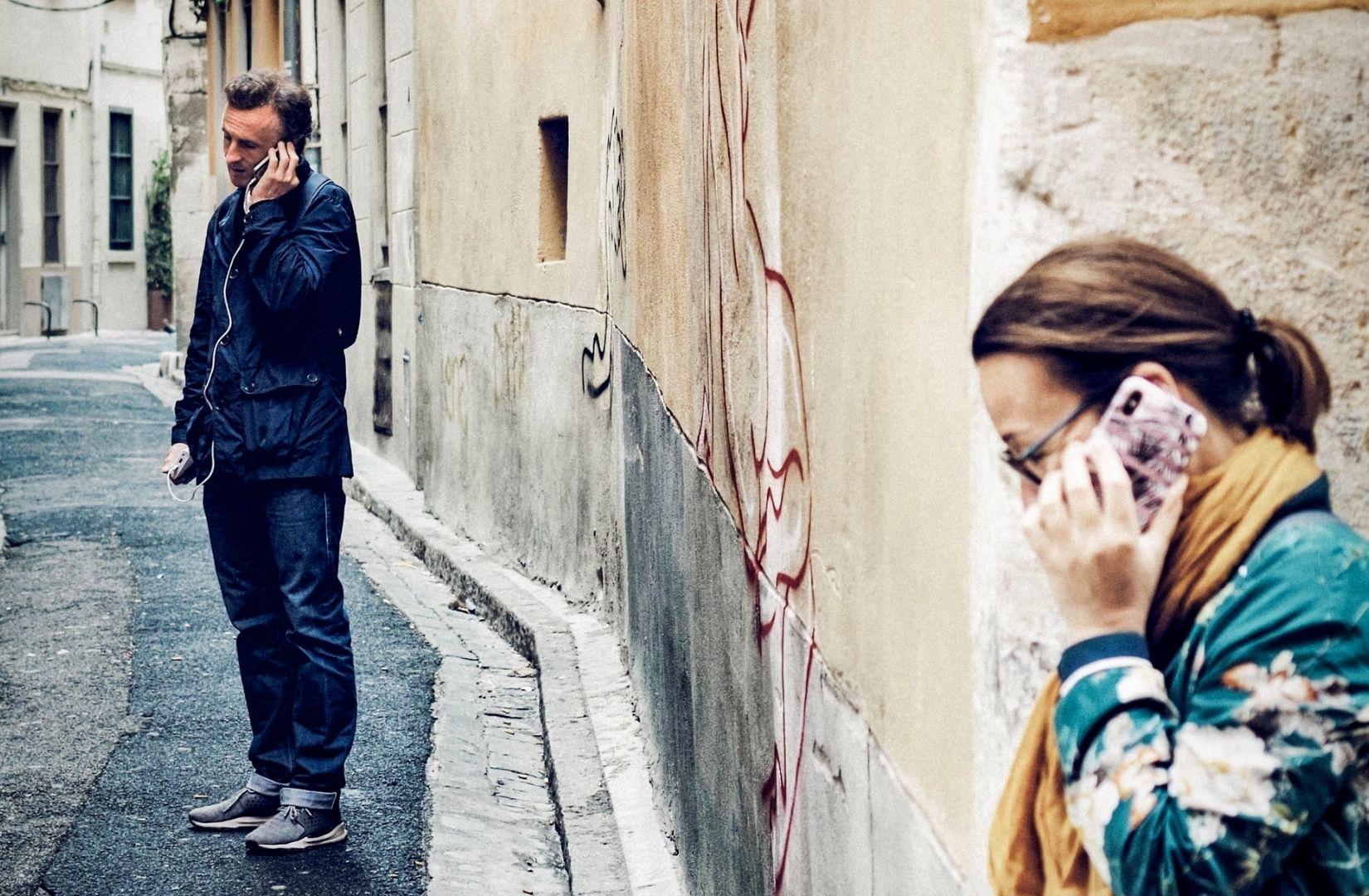 Neue Diplomatie beginnt mit neuer Kommunikation. (Foto: Xavi Cabrera, Unsplash.com)