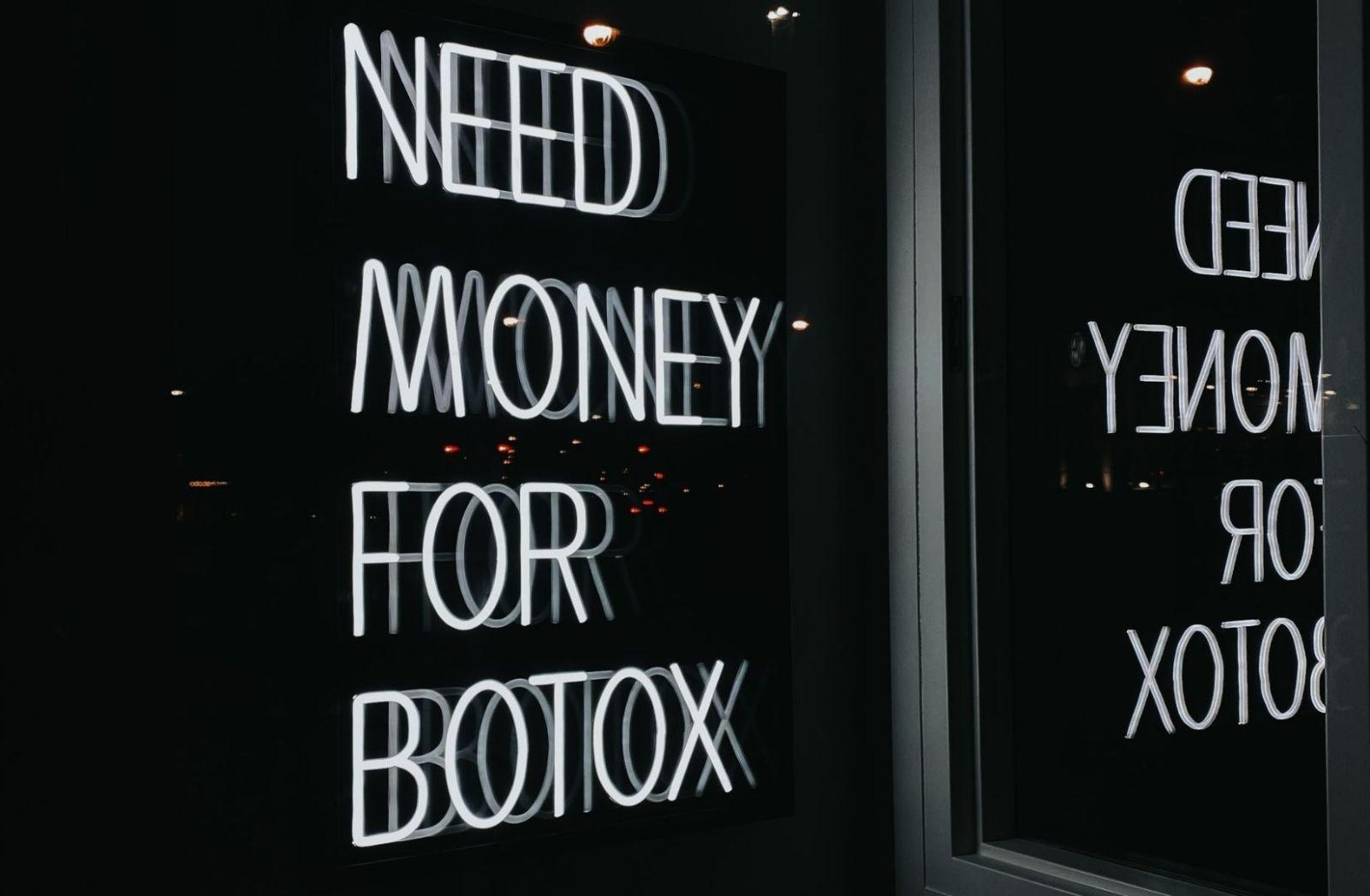 Die Wertegemeinschaft hat auch Botox im Angebot. (Foto: Victoria Rokita, Unsplash.com)