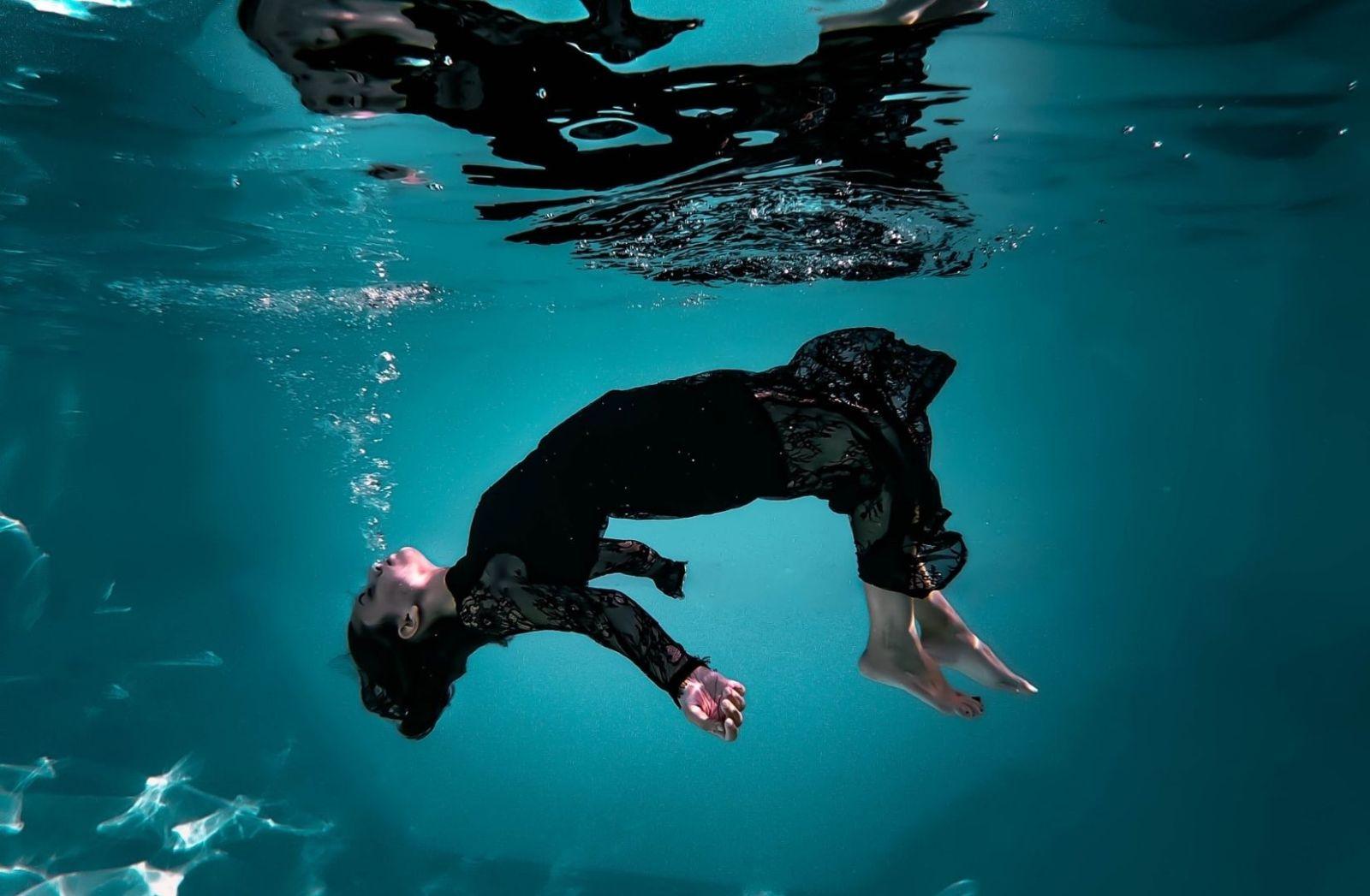 Das kalte Herz steht als Symbol für Spott und Verachtung. (Foto: Francesca Zama, Unsplash.com)