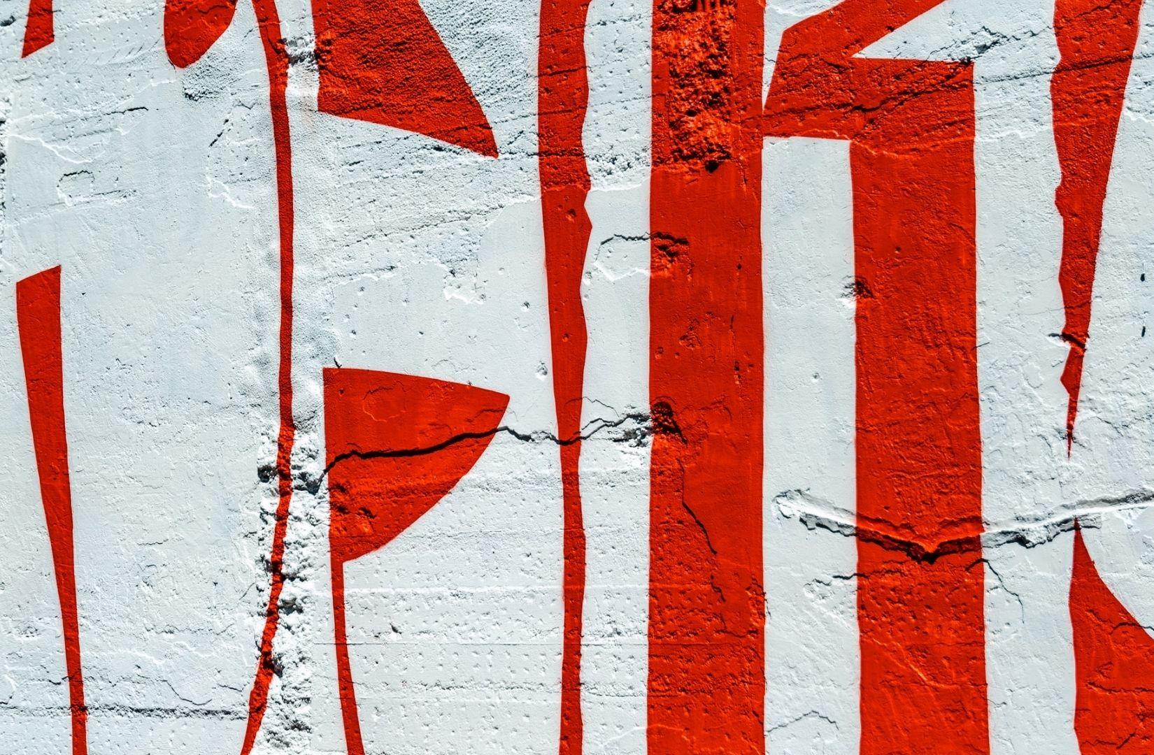Niederlagen und Siege sind mehr als Farben an der Wand. (Foto: Mike van den Bos, Unsplash.com)