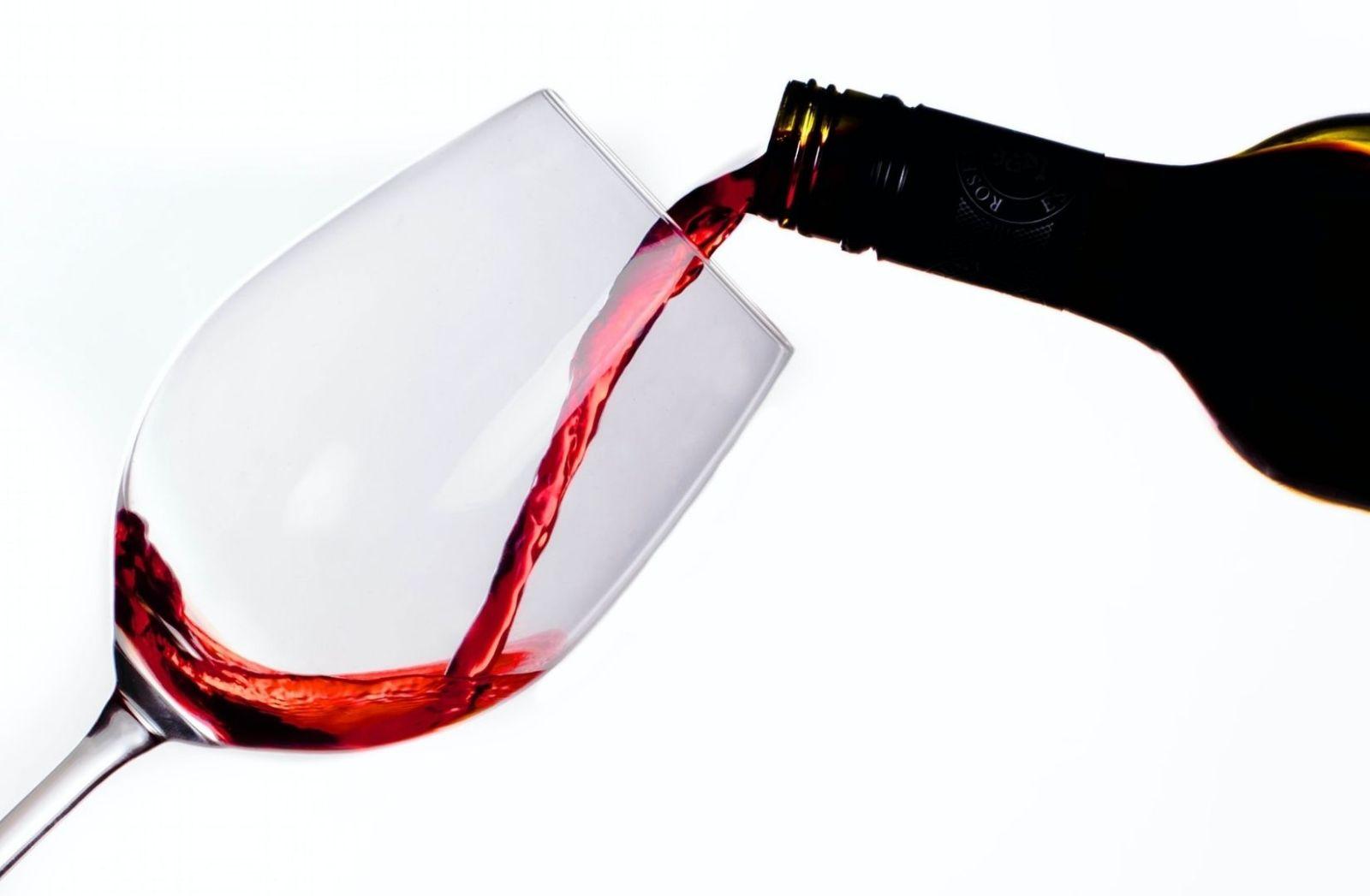 SPAC ist wie ein Glas Wein in dem kein Wein sein muss. (Foto: Apolo Photographer, Unsplash.com)