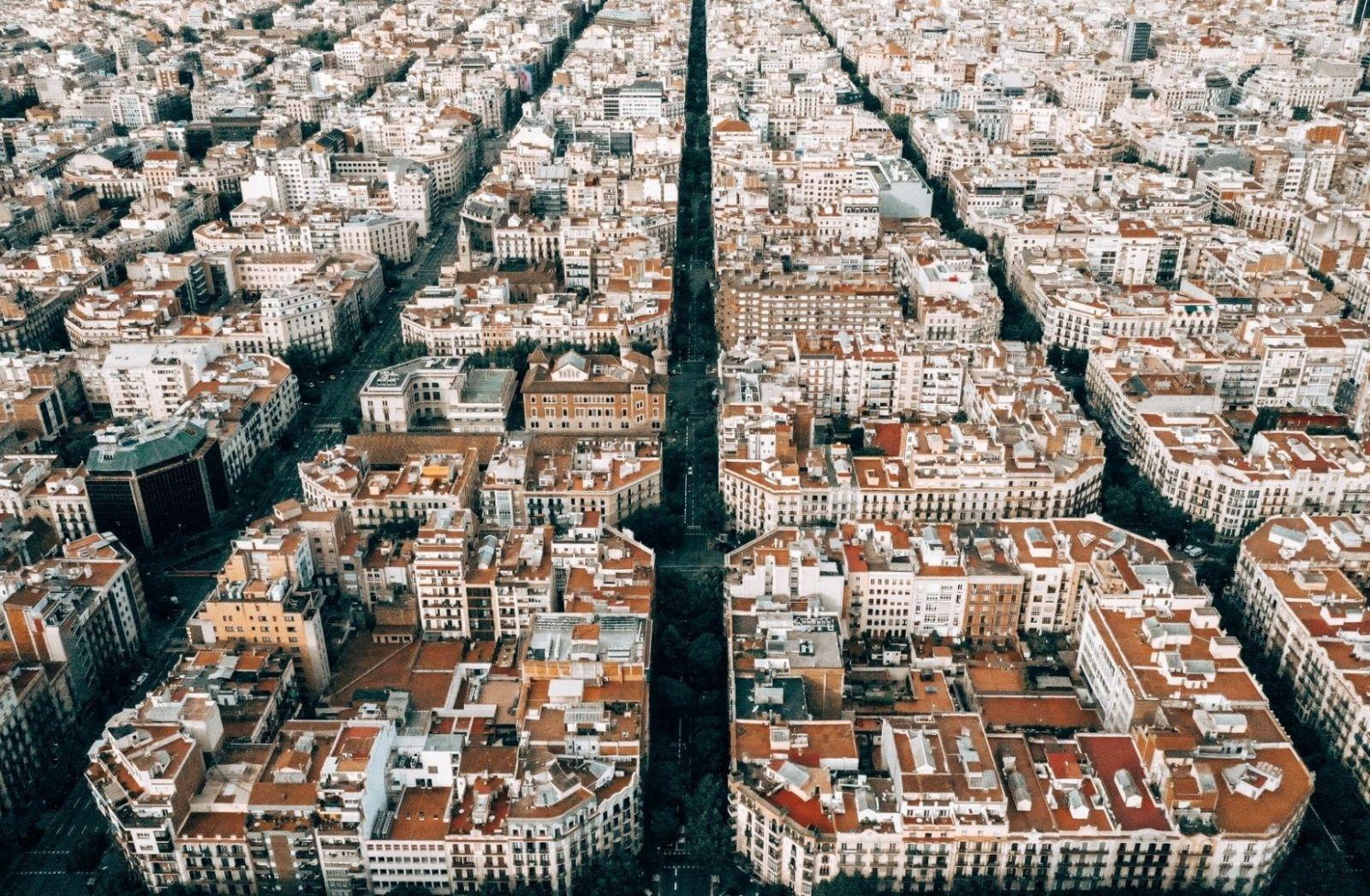 Die politische Analyse zur Situation in Katalonien. Barcelona ist die Hauptstadt der autonomen Region. (Foto: Kaspars Upmanis, Unsplash.com)