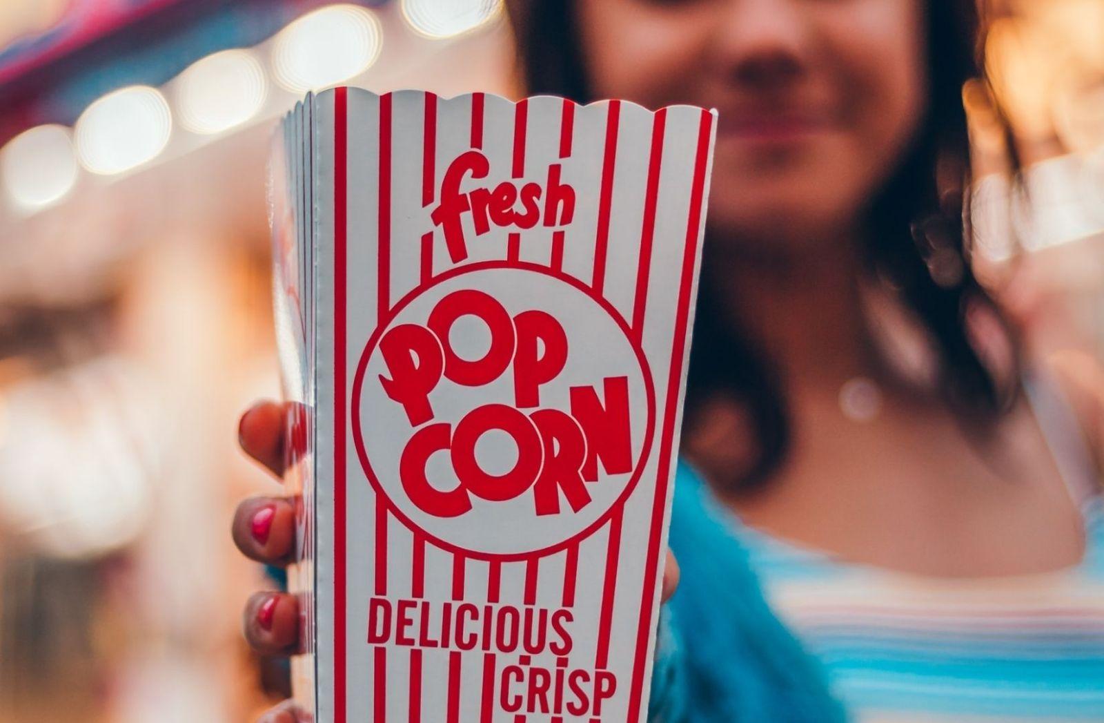 Alfredo M. Bonanno schreibt nicht über Popcorn, aber über Brixton 1981. (Foto: David Hurley, Unsplash.com)