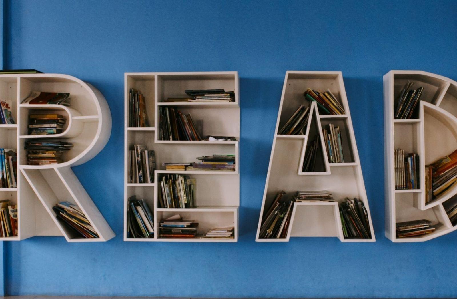 Read Books. (Foto: Ishaq Robin, Unsplash.com)