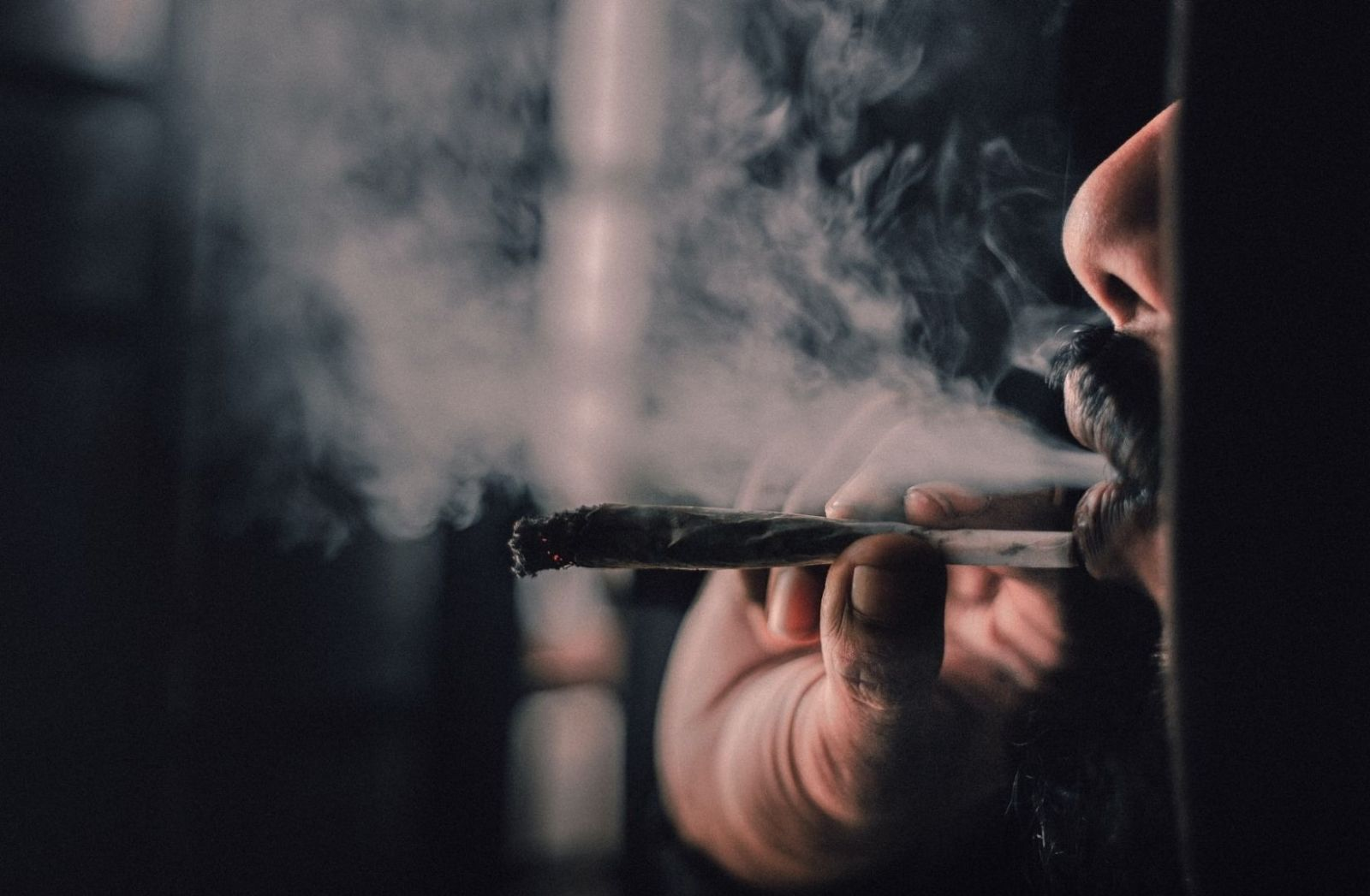 Weed geraucht. (Foto: Ahmed Zayan, Unsplash.com)