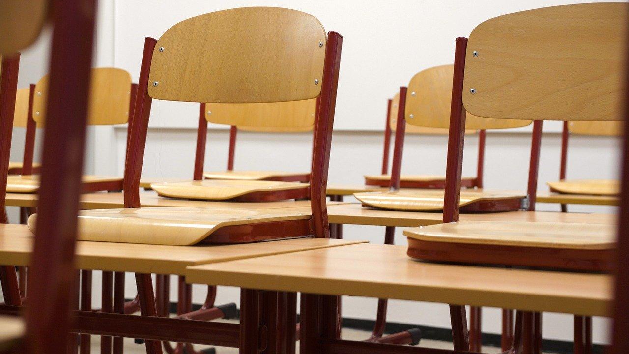 Schulminister Yvonne Gebauer (FDP) sagte dem WDR am Mittwoch, dass die Weihnachtsferien im Land früher starten.